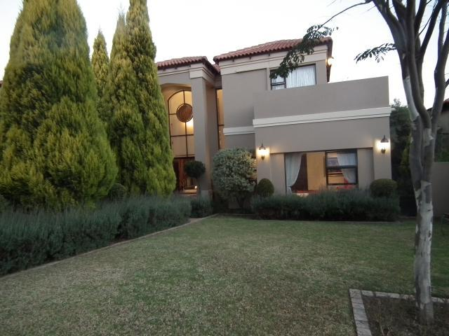 Property For Sale in Fourways, Johannesburg 5