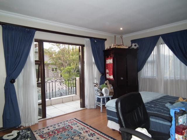 Property For Sale in Fourways, Johannesburg 14