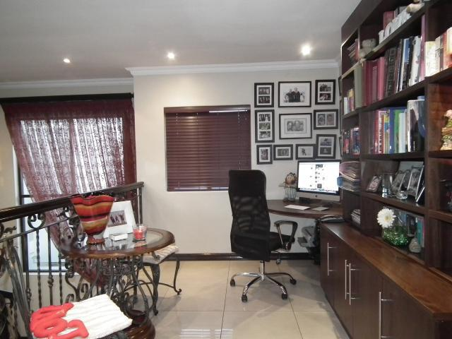 Property For Sale in Fourways, Johannesburg 18