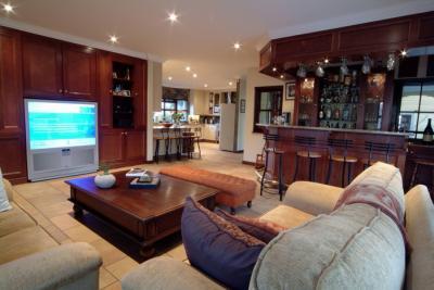 Property For Sale in Fernbrook, Fourways 5