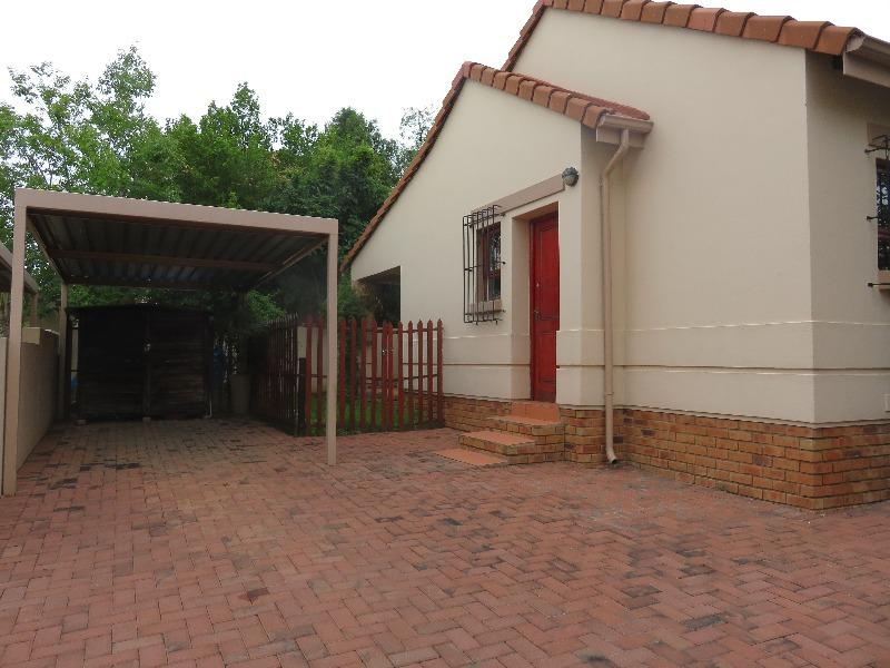 Property For Sale in Craigavon, Sandton 1