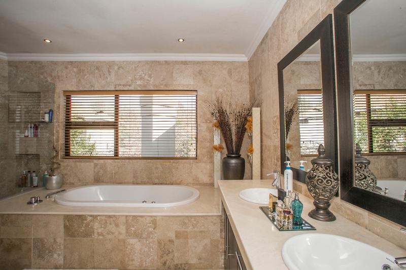 Property For Rent in Fernbrook, Fourways 25