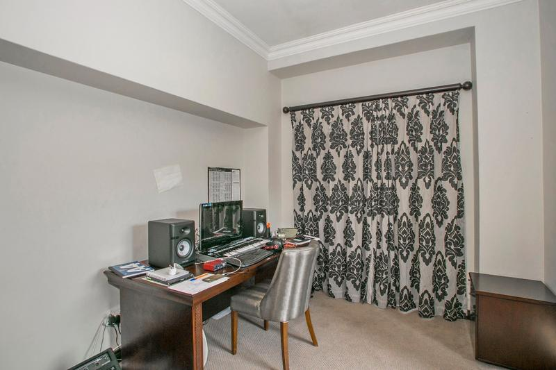Property For Rent in Fernbrook, Fourways 14