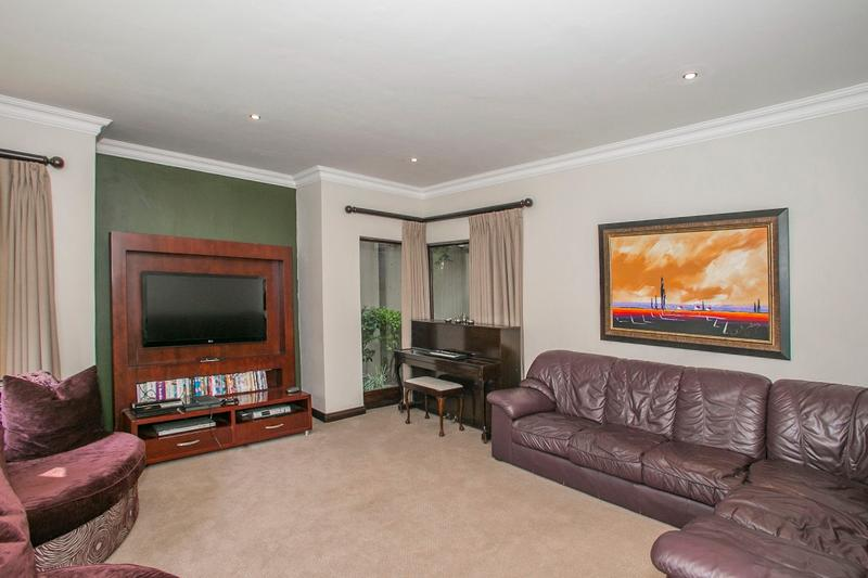 Property For Rent in Fernbrook, Fourways 9