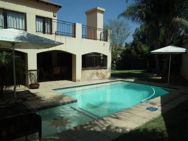 Property For Sale in Fernbrook, Fourways 3