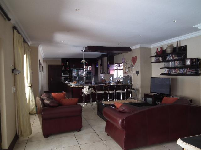Property For Sale in Fernbrook, Fourways 4