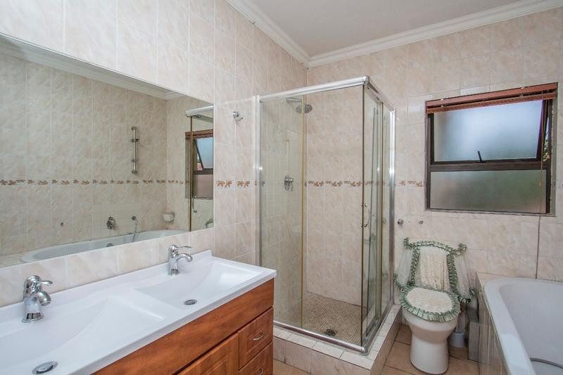 Property For Sale in Fernbrook, Fourways 11
