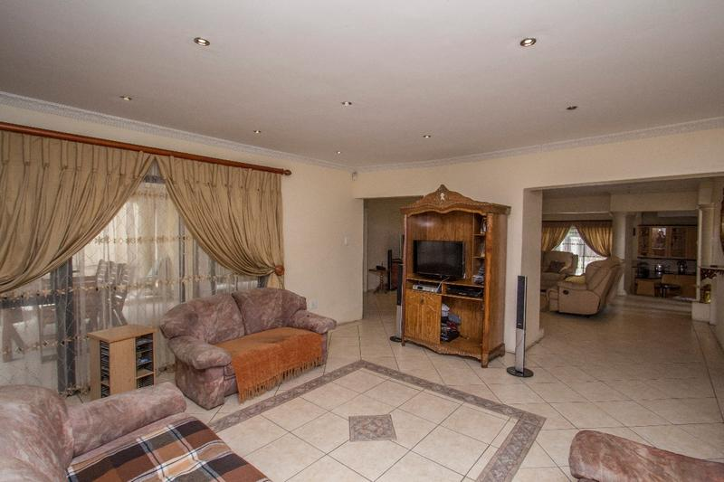 Property For Sale in Fernbrook, Fourways 8