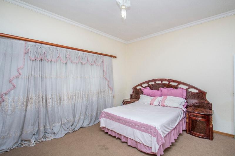 Property For Sale in Fernbrook, Fourways 18