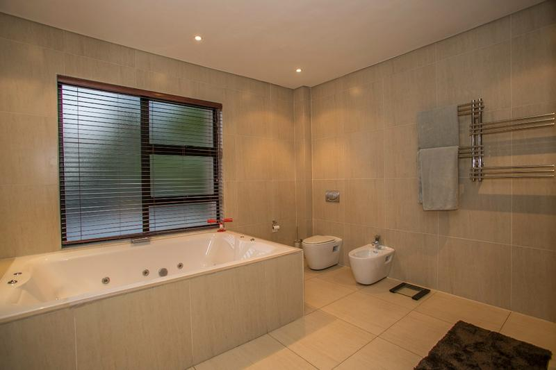 Property For Sale in Fernbrook, Fourways 13