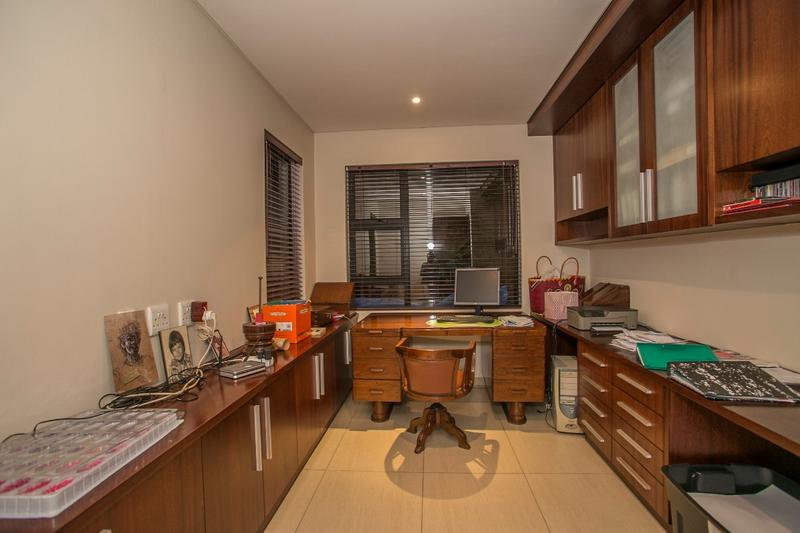 Property For Sale in Fernbrook, Fourways 15